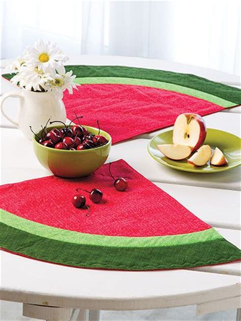 placemats watermelon for summer i have a round table this would 17 best images about watermelon quilts on pinterest