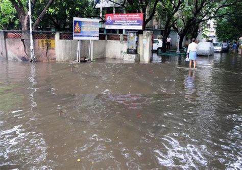wipro mahindra city chennai heavy rainfall schools colleges shut as city