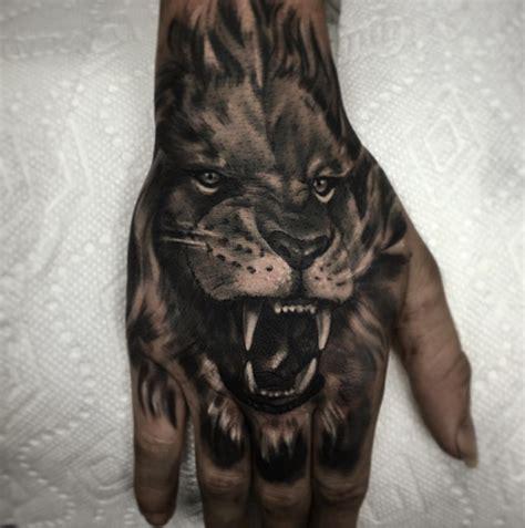 hand tattoo leaking tattoo br 252 llender l 246 we auf hand fred pinterest