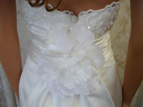 slim fitting pencil skirt wedding dress show your