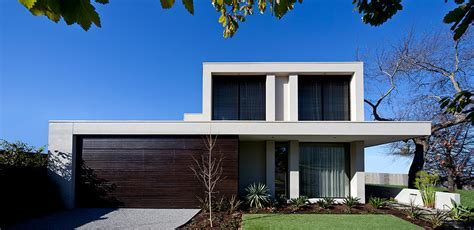 linear  constructions  homes renovations builder