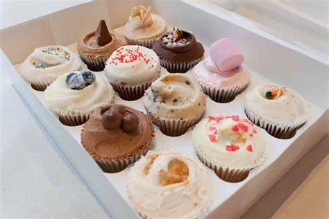 Box Cupcakes luxury gift box 12 cupcakes