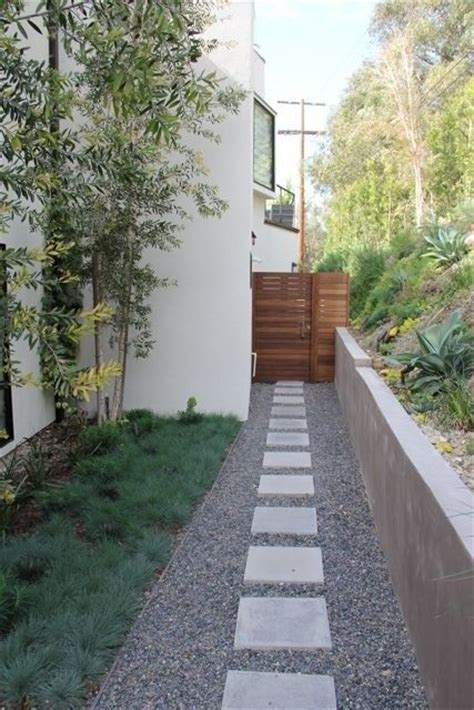Square To Yards Of Gravel Beautiful Horizontal Fence Gravel Square Pavers Go