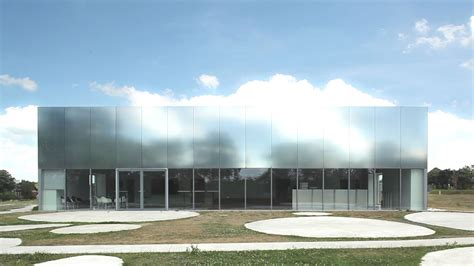 House With Studio by Video Louvre Lens By Sanaa Metalocus