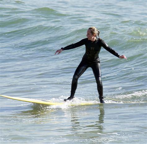 helen hunt surfing helen hunt surfing with the stars zimbio