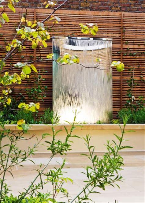 indoor kupfer brunnen wasserwand aus metall oder glas