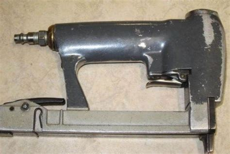paslode upholstery stapler paslode 3150 38 n18 18 gauge air pneumatic trim finish