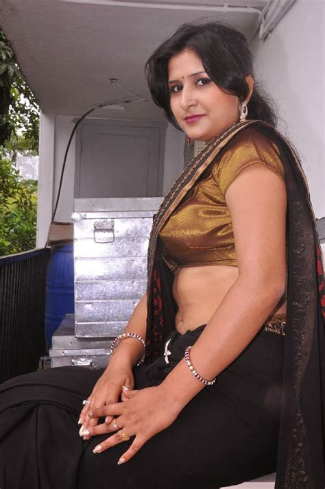 Real Pict Lifa Blouse mallu navel show hd photos in saree mallu navel show pics photo gallery
