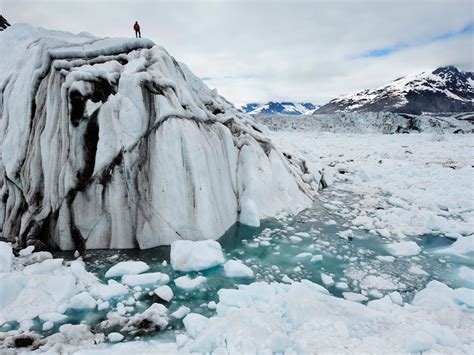 chaising ice must see movie chasing ice spotlights disappearing glaciers