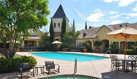 2 bedroom apartments for rent in irvine ca brittany apartment homes rentals irvine ca apartments com