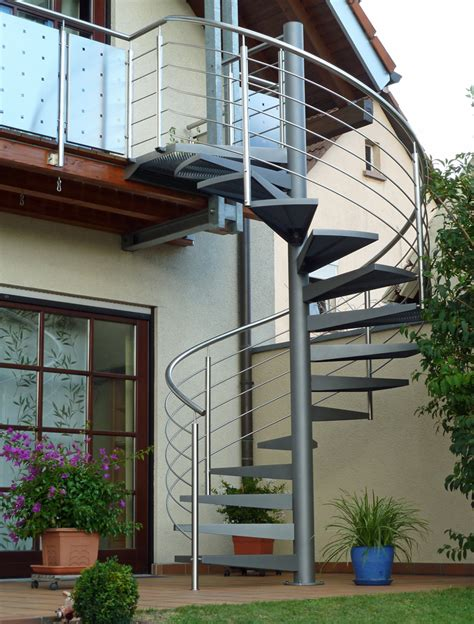 treppen mannheim spindeltreppen metallbau metallgestaltung treppenbau