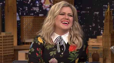google images kelly clarkson kelly clarkson sings google translated version of