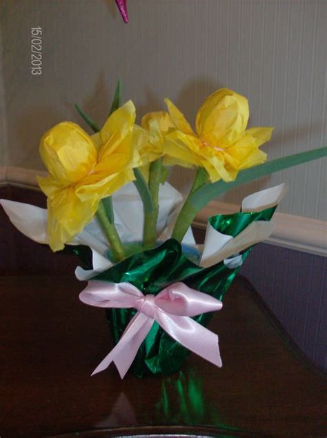 Paper Crafts For Seniors - daffodils made from tootsie pops tissue paper and