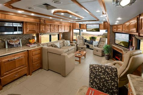 Joe S Apartment Trailer Rays Manager Joe Maddon S Decked Up Tiffin Phaeton Rv