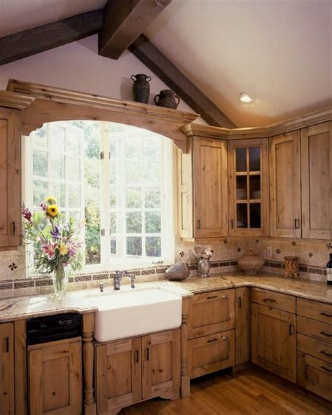 country kitchen sink ideas best 25 pine kitchen ideas on pinterest pine cabinets