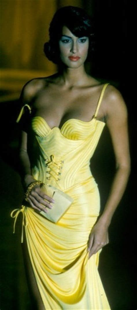 Ophelia Fancy Catwalk Pictures by 122 Best Yasmeen Ghauri Images On Supermodels