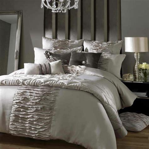 moderne bettwaesche fuer ein exklusives schlafzimmer