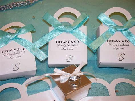 diy wedding favor bags with a twist 9 killer diy buffet favor bags candystore