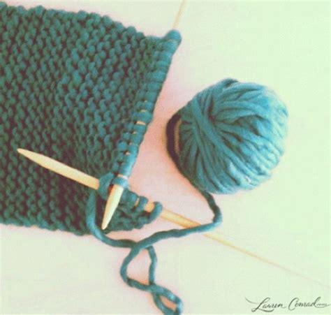 how to wrap a perfect present lauren conrad gift guide diy gift ideas lauren conrad