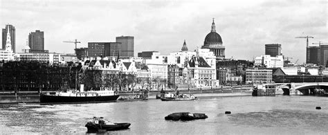 thames river nz terrific photos of london in 1973 by mary brown flashbak