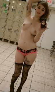 nude blonde girl selfie view 577x1024 jpeg hot sexy blonde girl selfie
