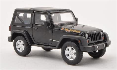Miniatur Jeep Wrangler Unlimited Skala 64 jeep wrangler islander edition nero 2010 greenlight