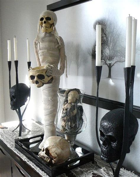 creepy home decor 33 spooky scary halloween decorations for 2016