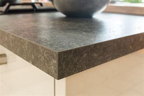 schichtstoff arbeitsplatten arbeitsplatten aus glas holz naturstein oder schichtstoff