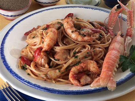 come cucinare spaghetti allo scoglio ricetta spaghetti allo scoglio donna moderna