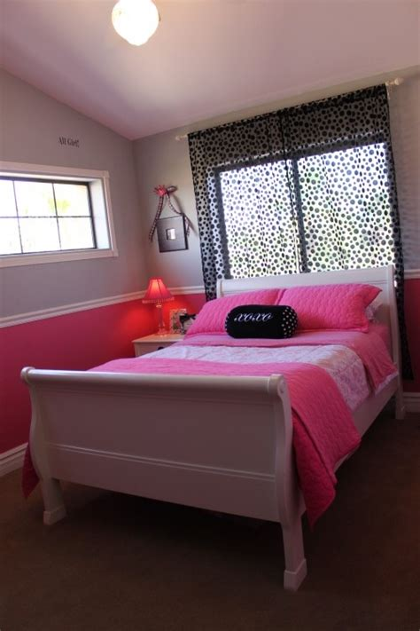 chair rail in bedroom two tone with chair rail for girls room trinity s bedroom ideas pinterest kid colors and