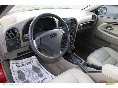 Volvo S40 Interior Lights light taupe interior 2003 volvo s40 1 9t photo 41134979
