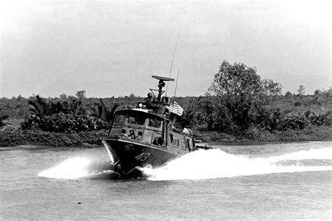 swift lake boat r pcf 43 aka quot swift boat quot photo prior to her loss from vc