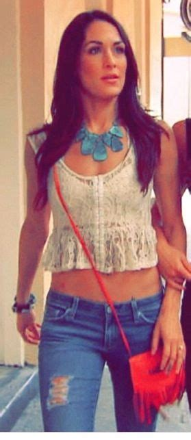 nikki bella necklace love the necklace and her style brie bella brie bella