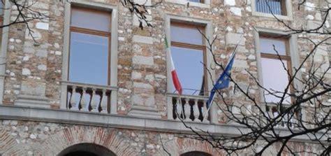 lavorare in francia con carta di soggiorno italiana carta di soggiorno e cittadinanza in francia le novit 224