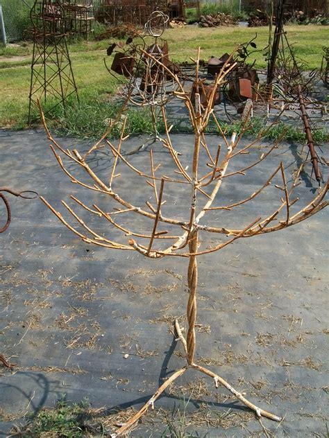 tree metal metal tree woodsy display