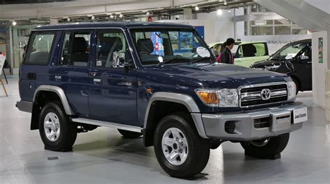 land cruiser 70 toyota cool cars n stuff