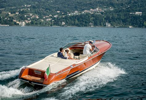 dinner on a boat lake como wedding day speed boat service on lake como by wedding