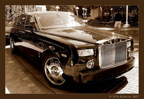 how much are rolls royce how much wallpaper in a roll wallpapersafari