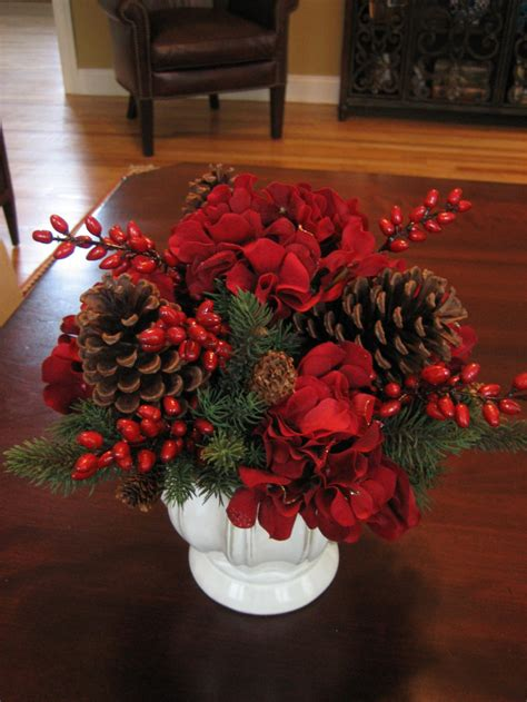 Christmas Centerpieces | dining room set exles with christmas centerpieces for