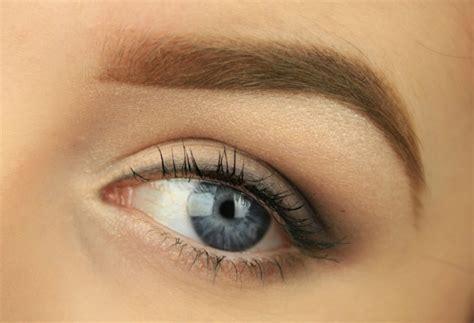 matita nera interno occhi 1001 idee per trucco occhi a seconda di forma e colore