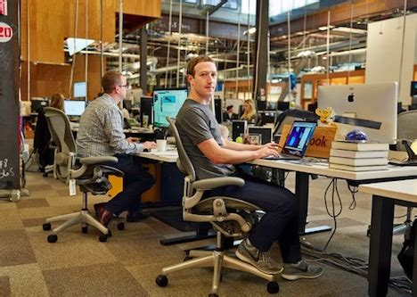 elon musk desk online marketing elon musk vs mark zuckerberg 15 comparisons