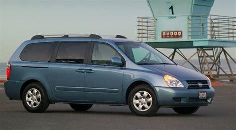 kia sedona 2005 recalls kia recalls 80 000 sedona minivans corrosion issues