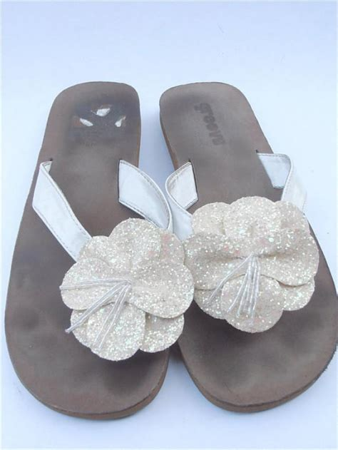 white flower sandals vintage white slippers wedding thongs vintage white