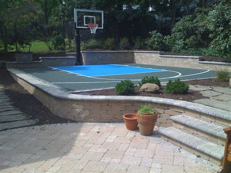 triyae asphalt basketball court in backyard