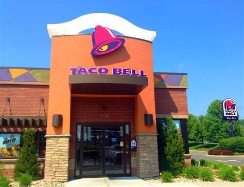 taco bell 8 things you never knew about taco bell from a former employee