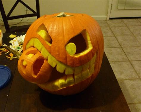 the best halloween pumpkin carving weve ever seen photos best of the web pumpkin carving decorating williams
