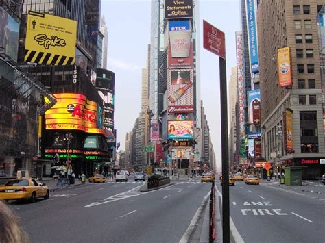 Silplate New City 2005 times square from 1984 to now in pictures sports hip hop piff the