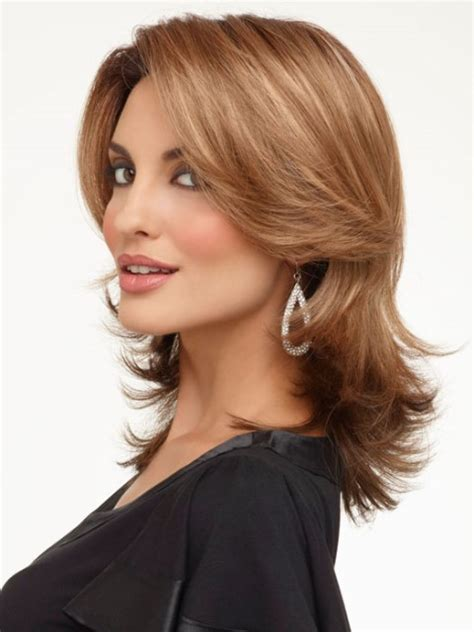medium length hairstyle dor a squre jaw pictures of wigs for a square face short hairstyle 2013
