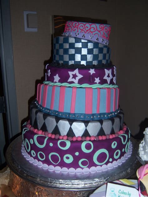 Cakes By Happy Eatery » Quinceanera & Sweet 16