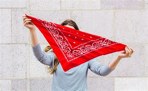 How To Insert A Ton Comfortably by How To Tie A Bandana Like A